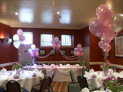 Decoración de globos para comunión